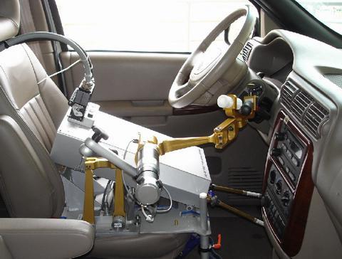 自动驾驶新解决方案:以色列研发机器人司机